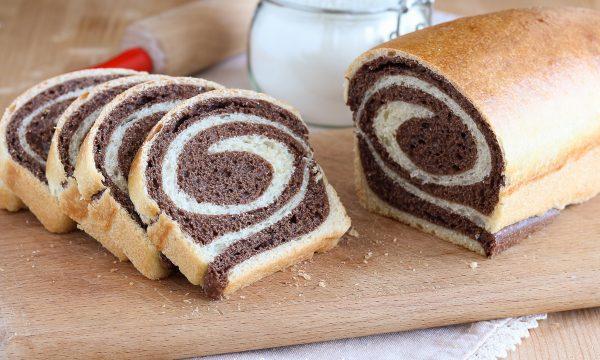 Pan brioche con la spirale variegato