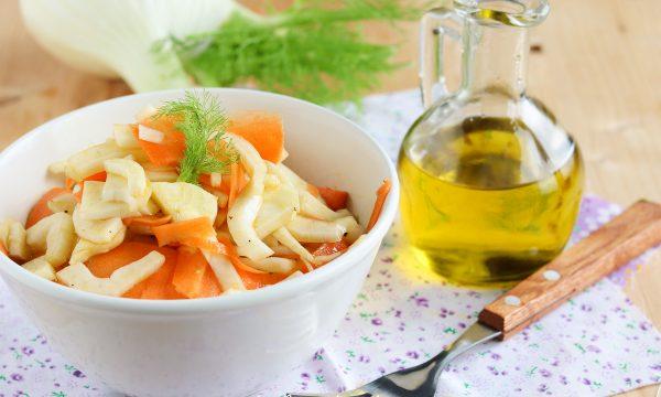 Insalata scrocchiarella di carote e finocchi