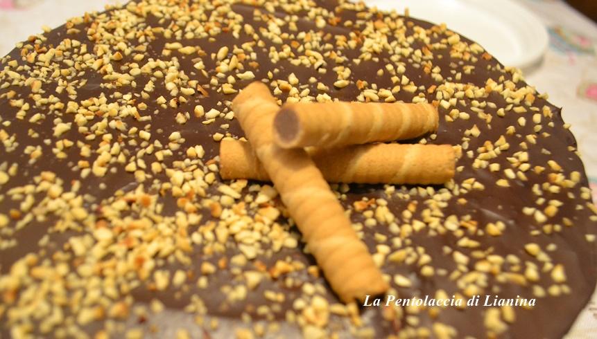 Torta Margherita al cioccolato fondente e granella di nocciole