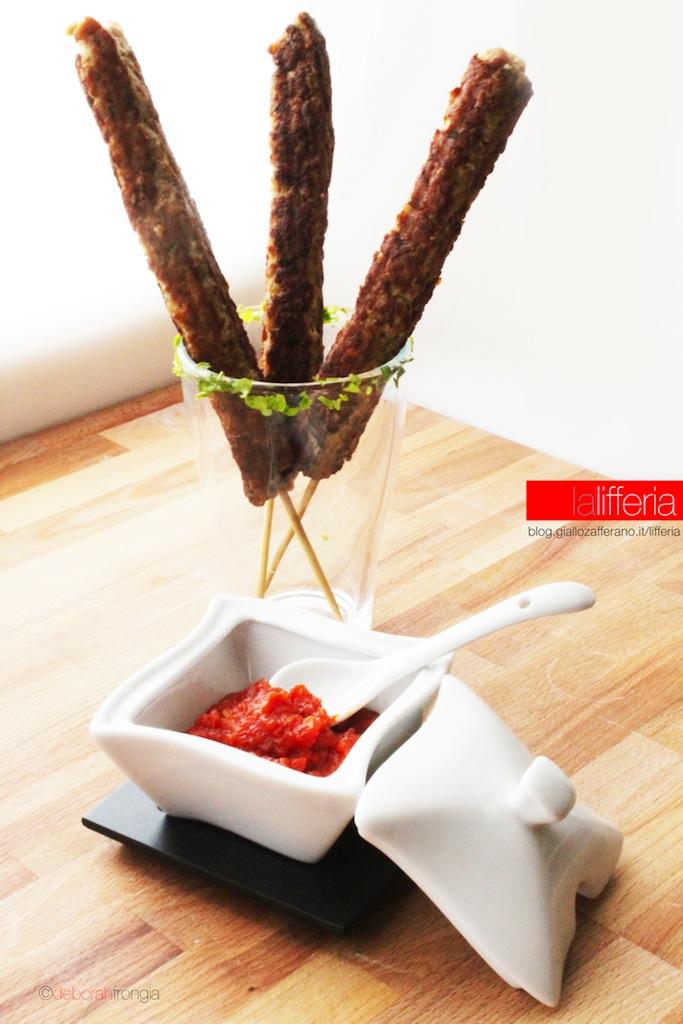 Polpette finger food con salsa piccante