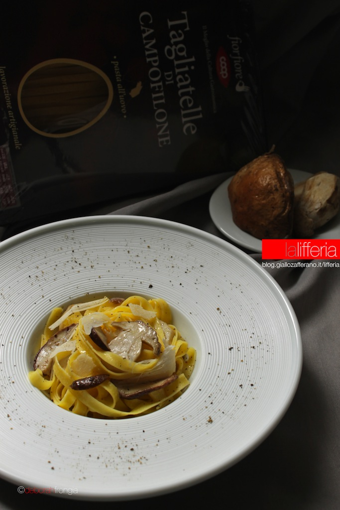 Tagliatelle ai funghi porcini e scaglie di Parmigiano