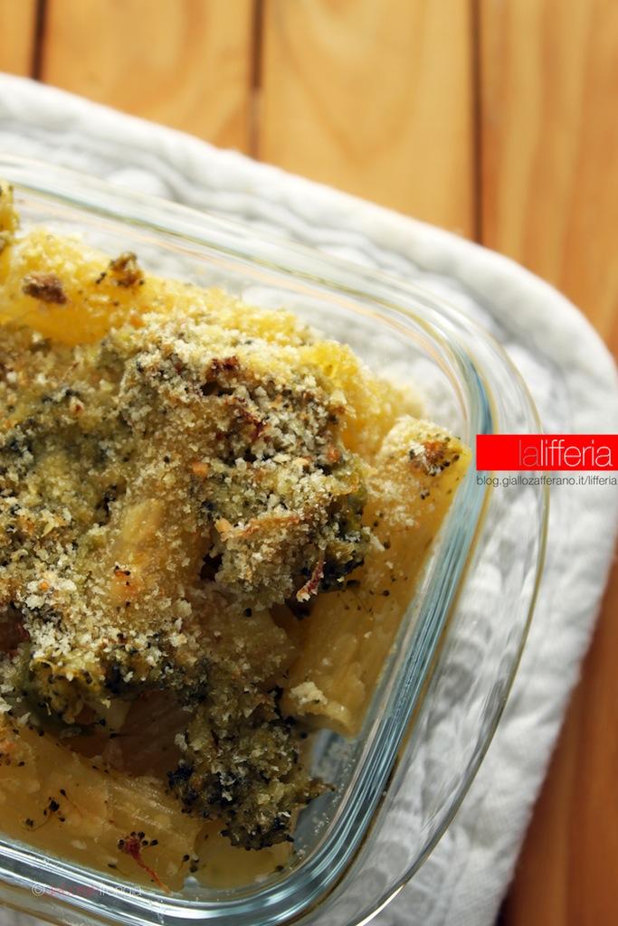 Pasta gratinata con broccoli e caprino