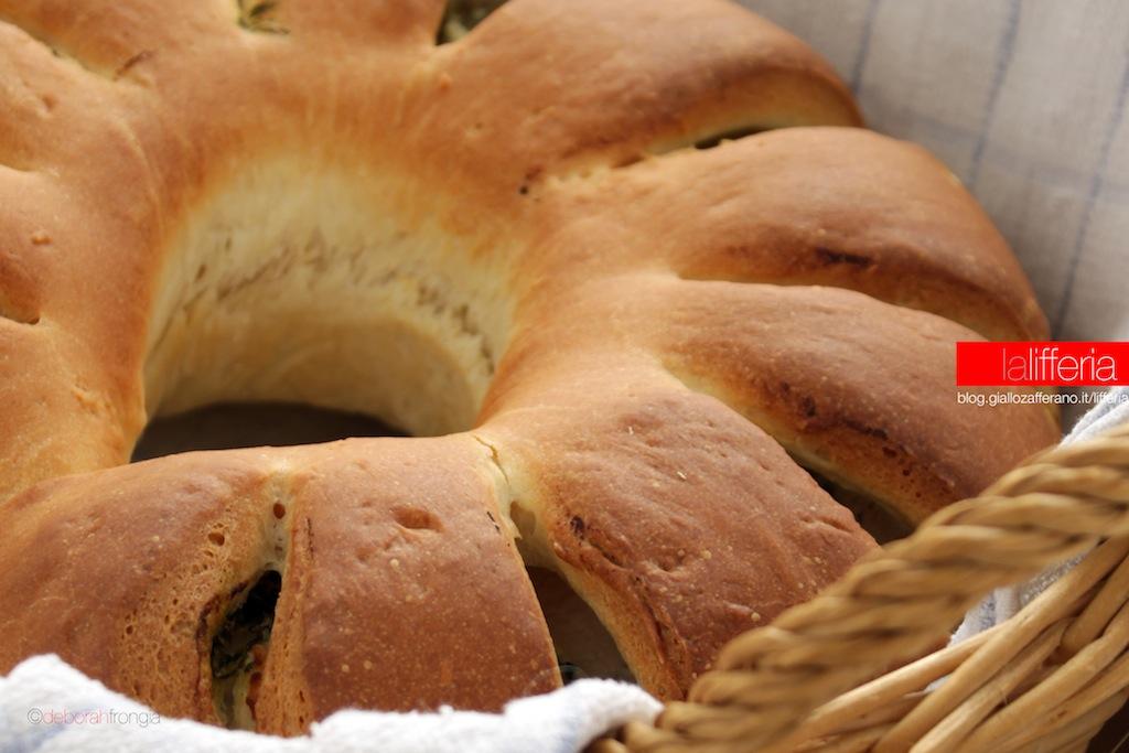 Pan brioche con ricotta e cicoria