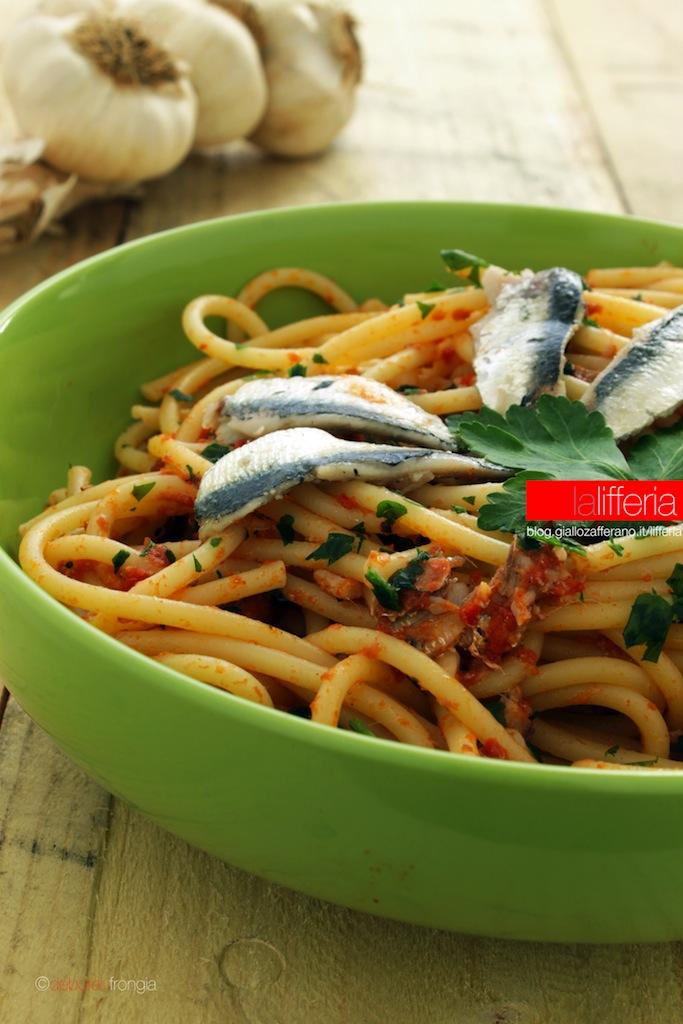 Pasta con sardine fresche