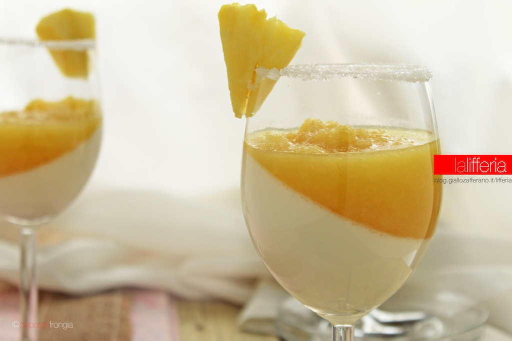 Panna cotta al cocco e ananas