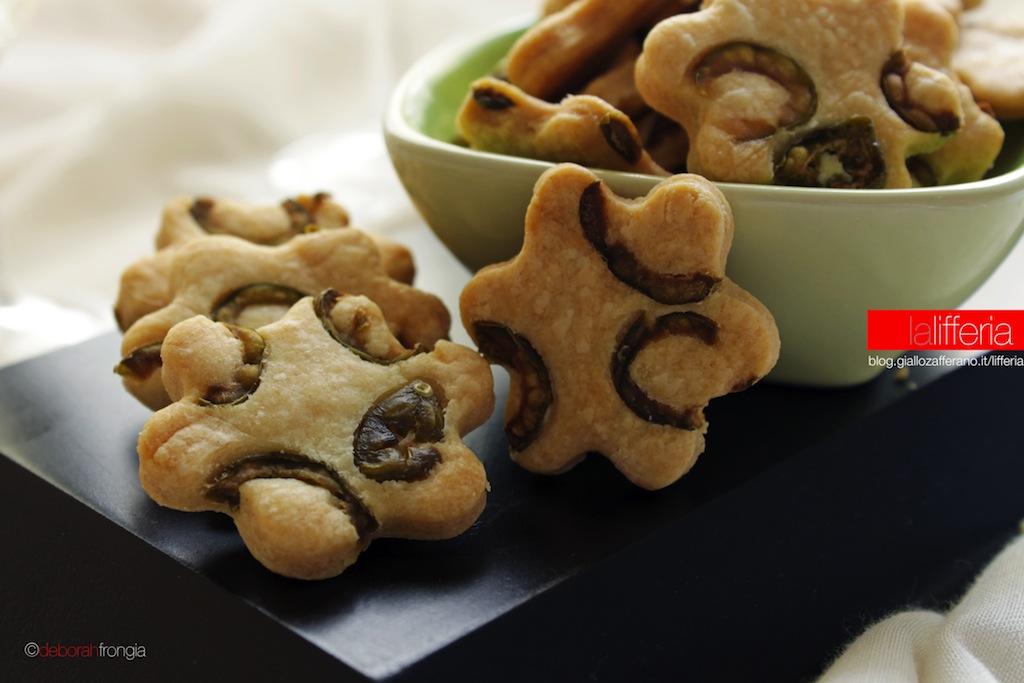 Biscotti alle olive per aperitivi e buffet