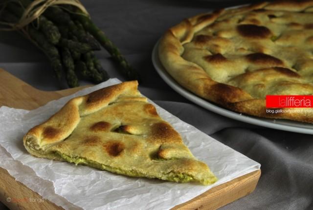 Focaccia senza lievito agli asparagi