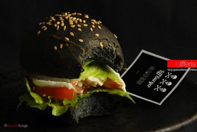 Hamburger nero LiffBurger Halloween Edition