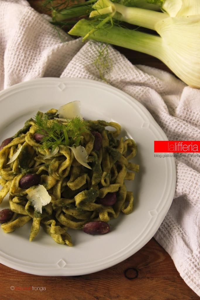Pasta con crema di finocchi e spinaci