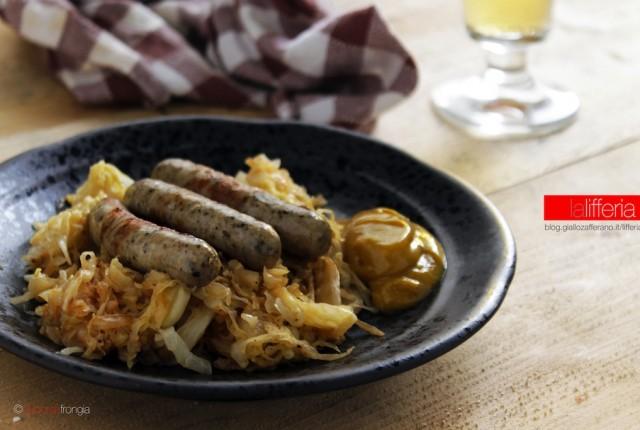 Würstel e crauti con salsicce di Norimberga