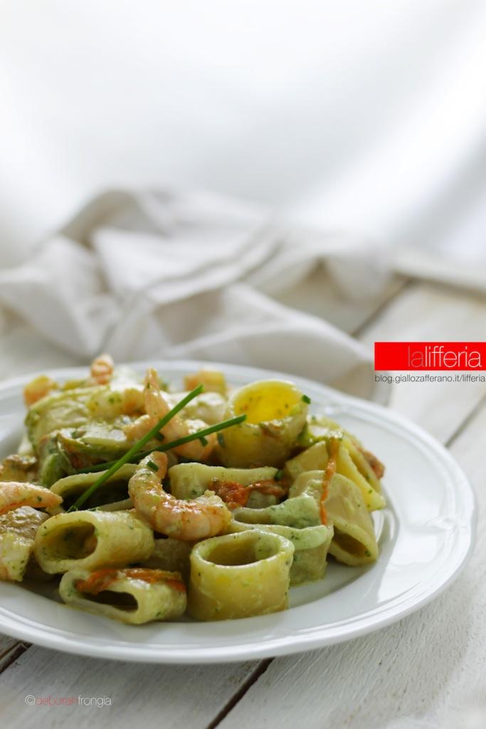 Calamarata con gamberi, fiori di zucca e zucchine - Primo piatto