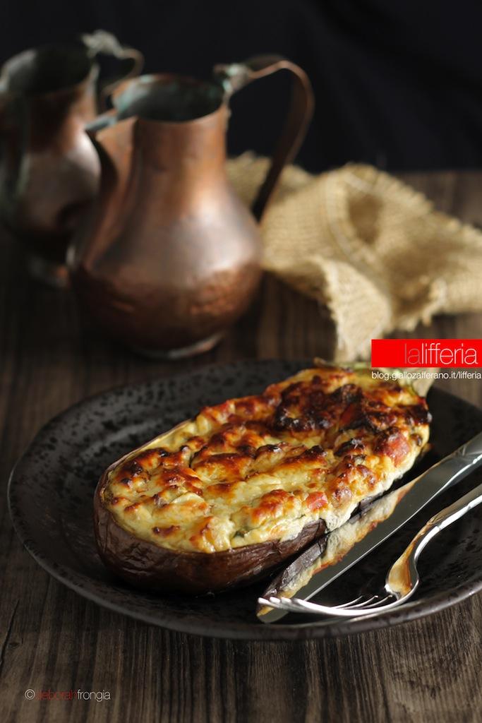 Melanzane ripiene con ricotta e formaggio Cottura al forno
