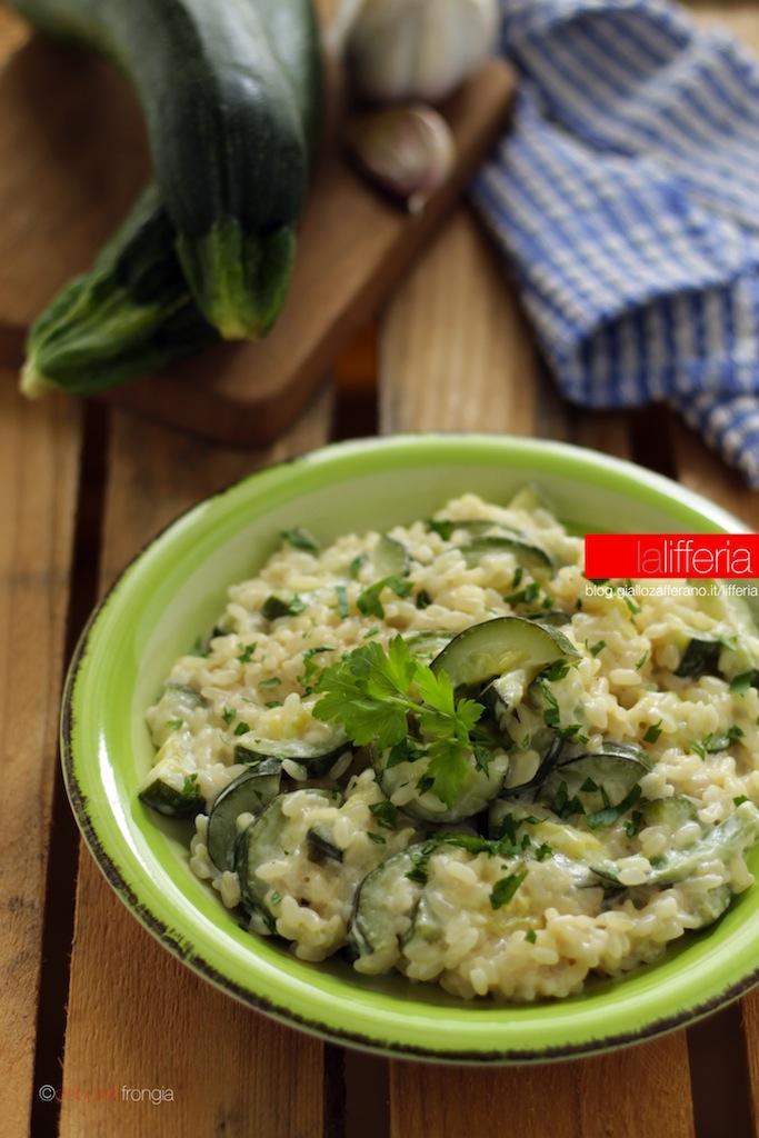 Risotto alle zucchine e robiola in 5 minuti