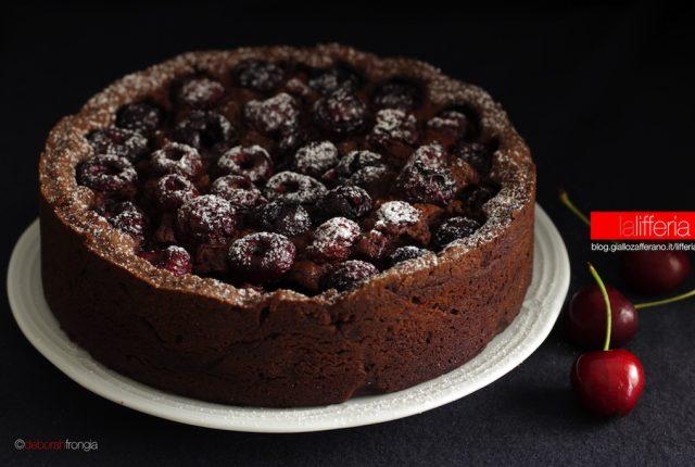 Torta alle ciliegie morbida