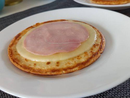 Pancake con prosciutto e provola