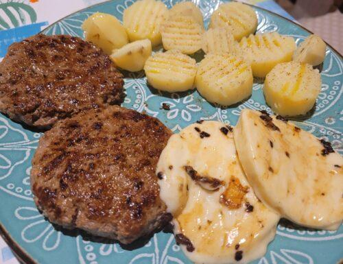 Hamburger di Manzo con Provola e Patate