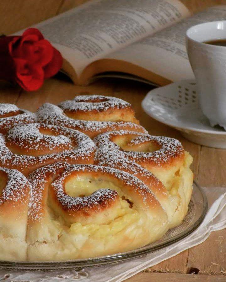 torta di rose con crema