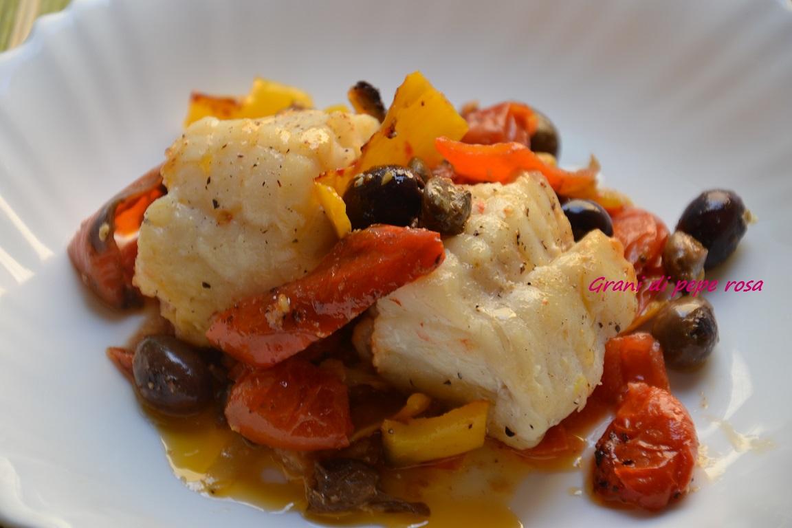 Coda di rospo con peperoni grani di pepe rosa for Cucinare rana pescatrice
