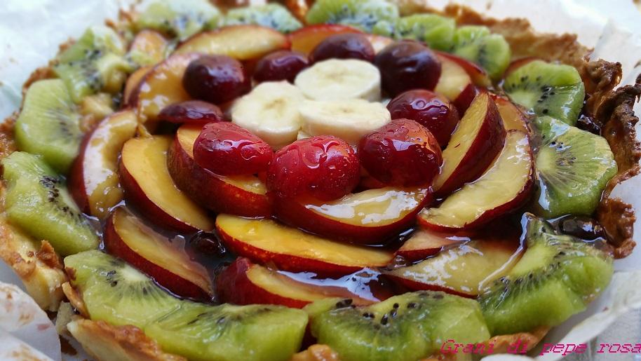 crostata alla frutta fresca e confettura di ciliegie