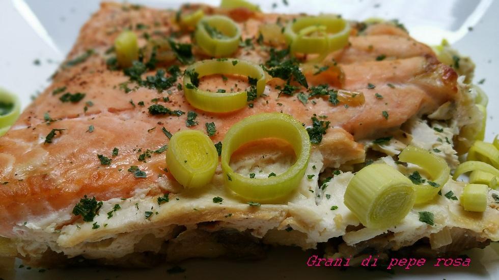 salmone porri e patate al forno
