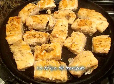 Salmone cotto in padella