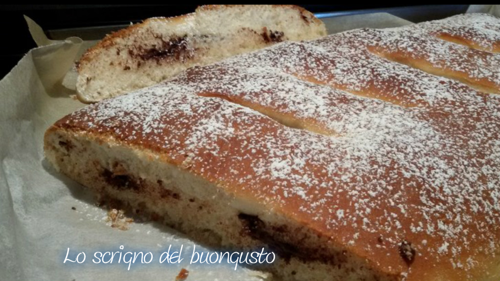 Maxi calzone dolce farcito