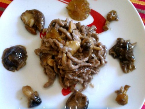 Straccetti di vitellone con misto funghi