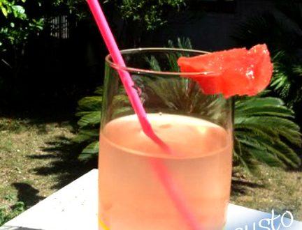 Acqua detox al gusto anguria