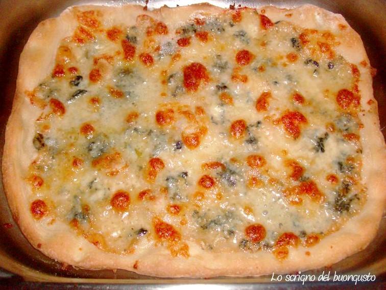 Pizza al gorgonzola