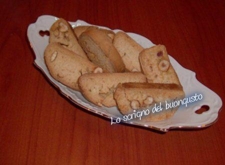 Biscottini alla frutta secca e miele