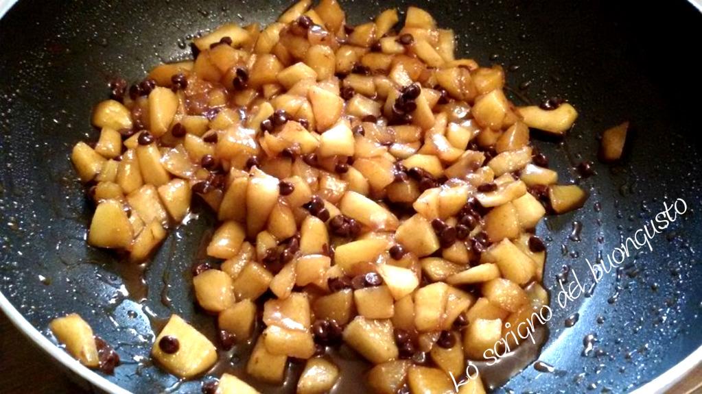 Sfogliatine mele e cioccolato