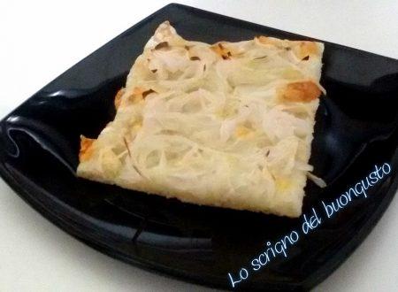 Pizza bianca alla cipolla