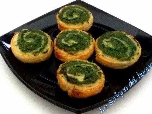 Girelle di sfoglia ricotta e spinaci