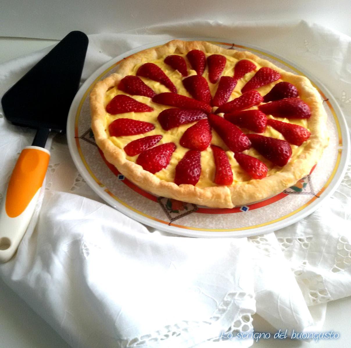 Torta veloce sfogliata alle fragole