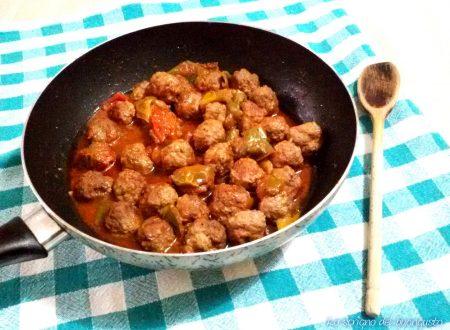 Polpette al sugo con i peperoni