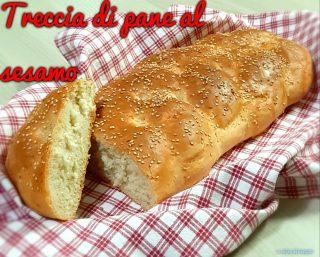 Treccia di pane al sesamo