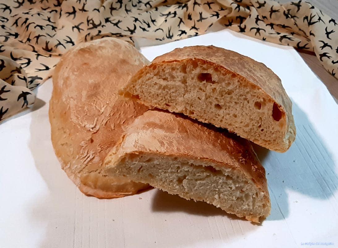 Ciabatta di pane casereccia