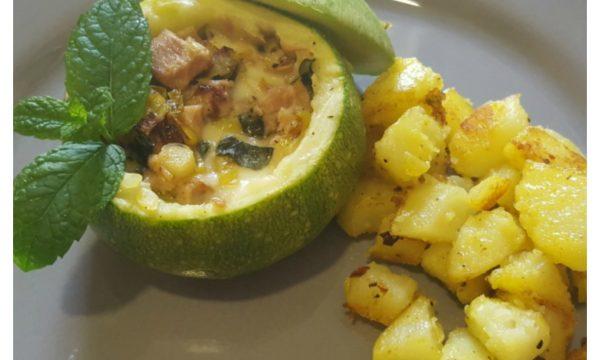 Zucchine ripiene di tonno con patate al curry