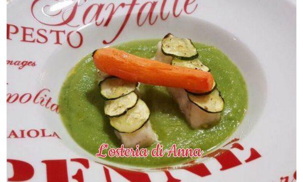 Nasello in crosta di zucchine su crema di bieta