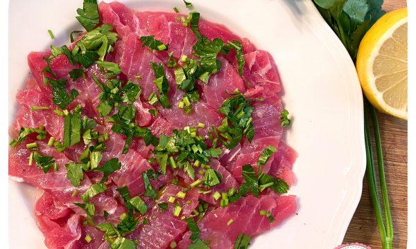 Tartare di tonno al pepe rosa