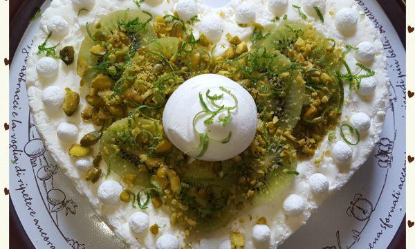 Cuore di meringhe al pistacchio e lime