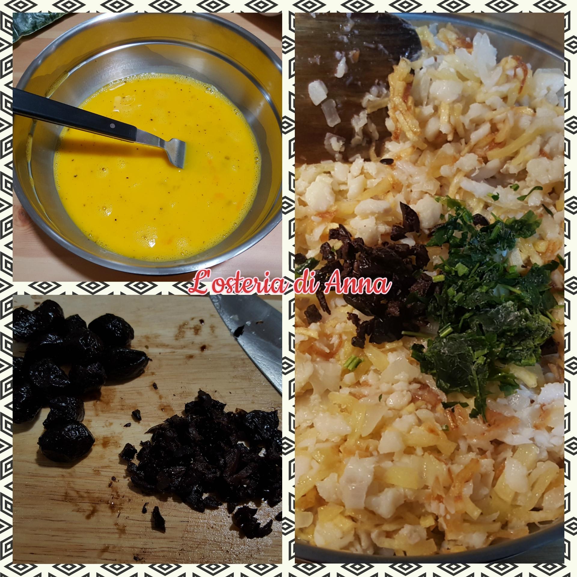 Aggiunta dell'uovo, prezzemolo e olive al composto di patate e baccalà