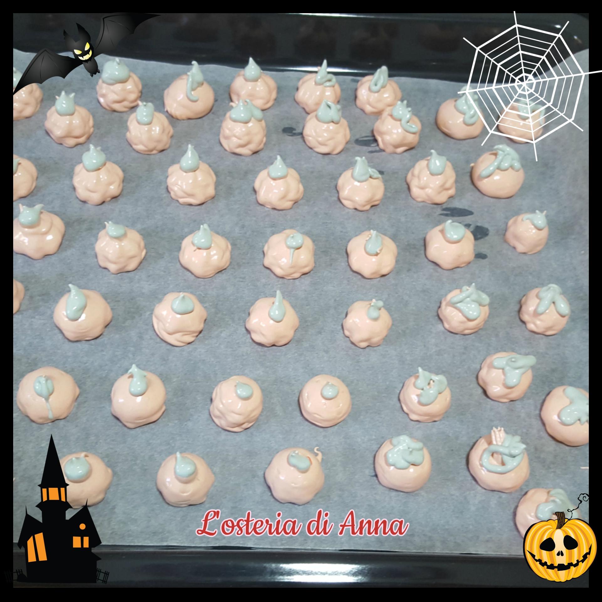 Meringhe a forma di zucche per Halloween