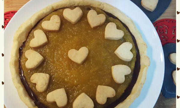 Crostata con ganache al cioccolato e salsa alle arance