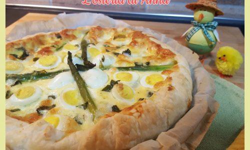 Torta salata con asparagi e uova di quaglia