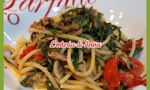 Spaghetti con salicornia, pomodorini e tonno