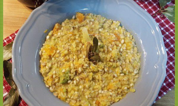 Zuppa d'orzo con broccolo romano e carote