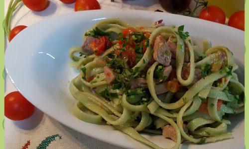 Fettuccine al cedro con tonno e pomodorini