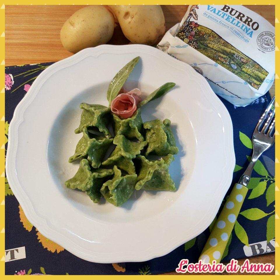 Fagottini verdi con patate e prosciutto