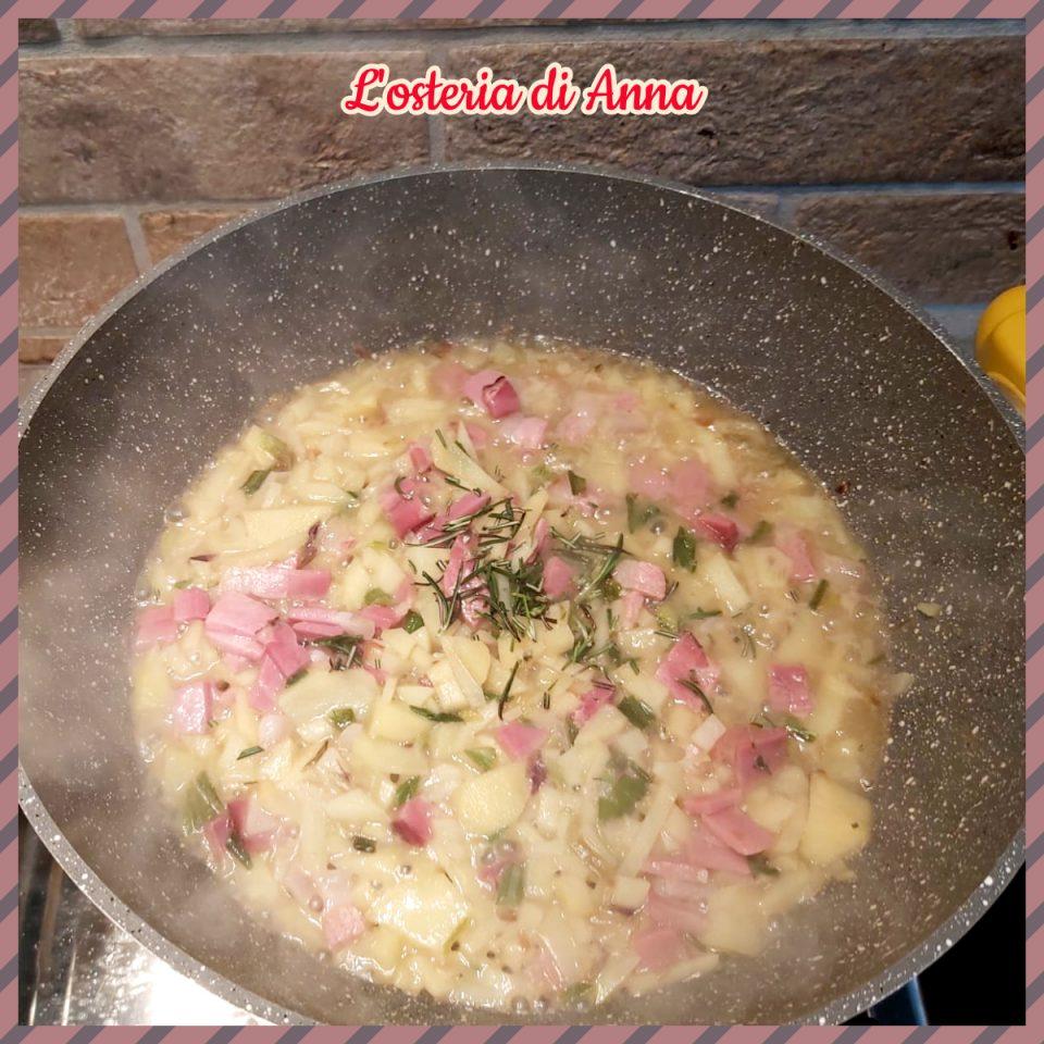 cottura delle patate con lo speck